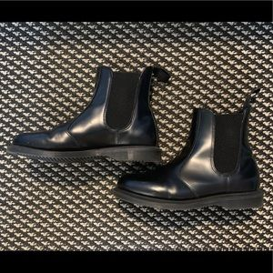 Pre-Loved Dr. Martens 2976 Chelsea Boots